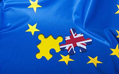 French regulator cranks up Brexit pressure on UK asset managers