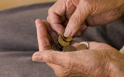Pensioner_counting_coins