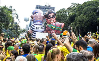 Demonstrating against Rousseff